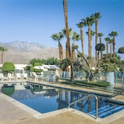 Desert Isle of Palm Springs by Diamond Resorts
