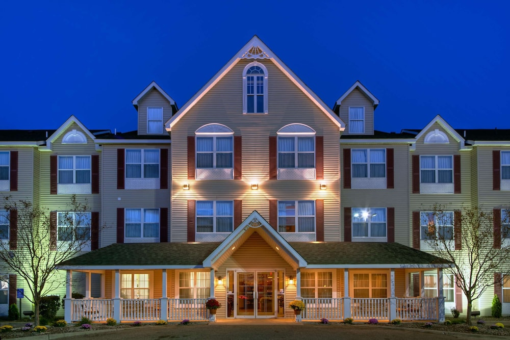 Featured Image, Country Inn & Suites by Radisson, Forest Lake, MN