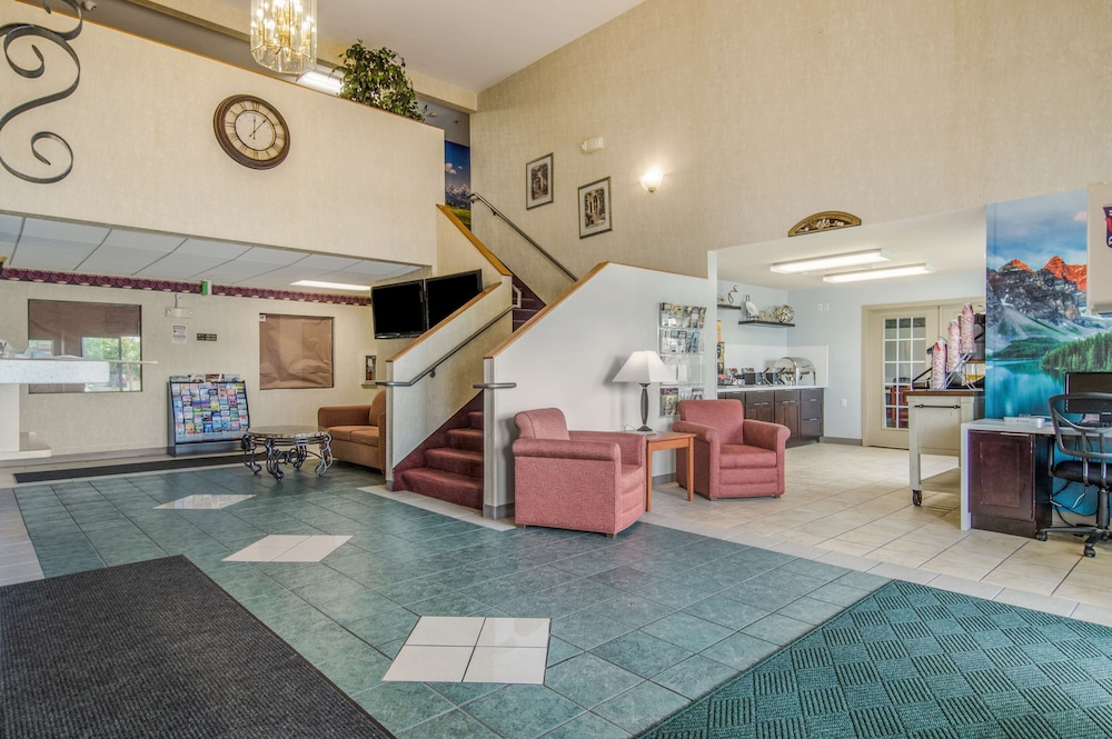 Lobby, Red Lion Inn & Suites Port Orchard