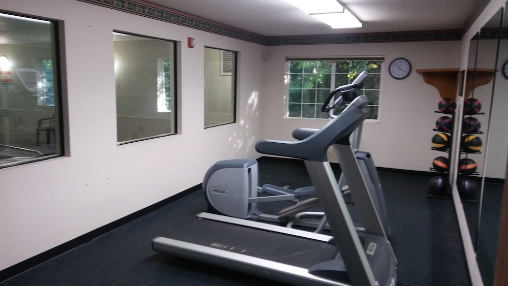 Fitness Facility, Red Lion Inn & Suites Port Orchard