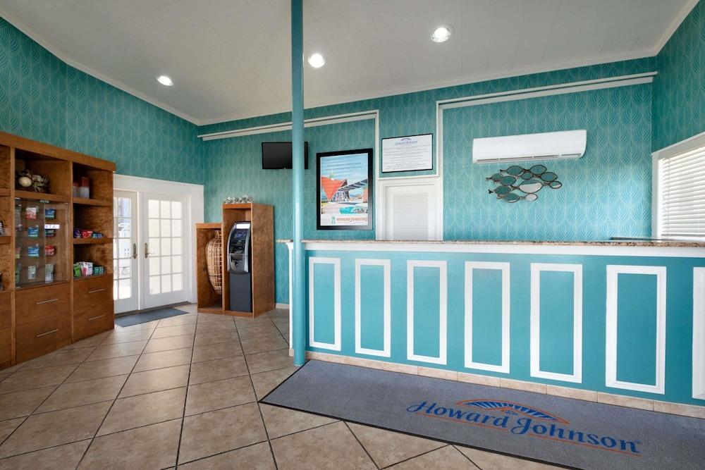 Lobby, Howard Johnson by Wyndham Ocean City Oceanfront