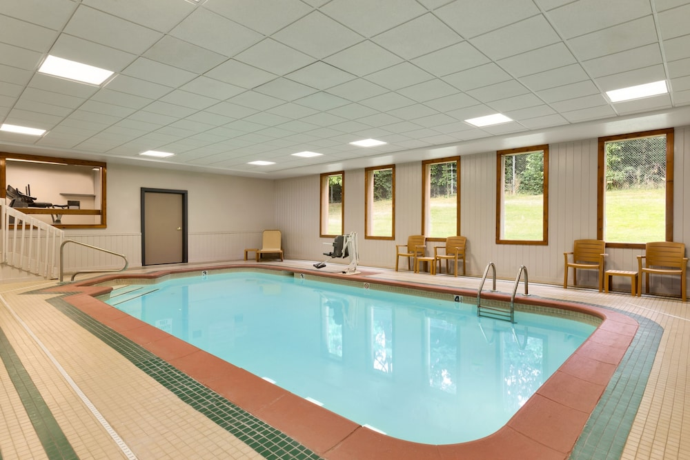Indoor Pool, Country Inn & Suites by Radisson, Mishawaka, IN