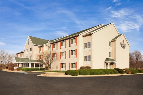 Country Inn & Suites by Radisson, Clinton, IA