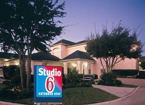 Great Place to stay Studio 6 Dallas-Garland / Northeast near Dallas