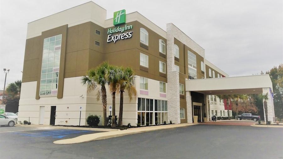 Holiday Inn Express Columbia - Two Notch, an IHG Hotel