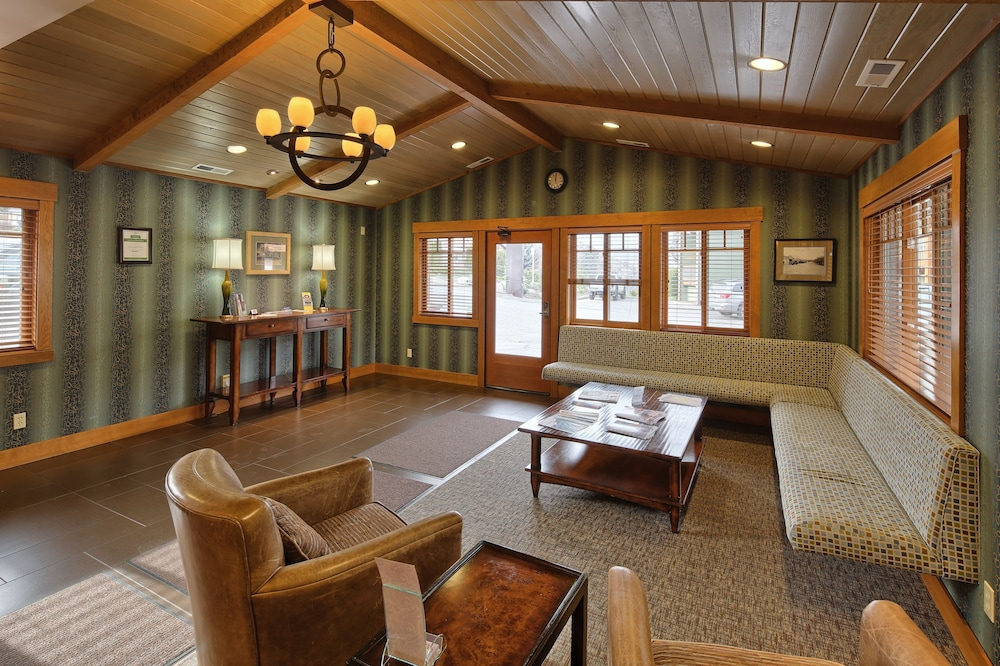 Featured Image, Lakeside Lodge And Suites