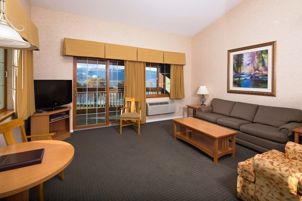 Living Room, Lakeside Lodge And Suites