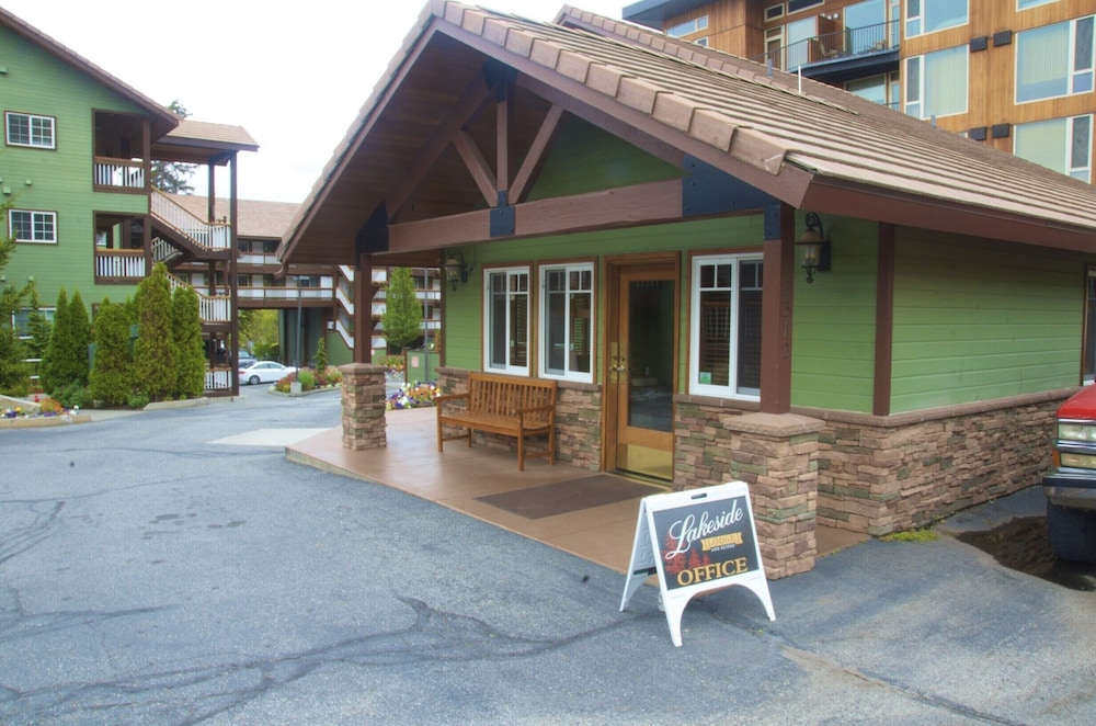 Exterior, Lakeside Lodge And Suites
