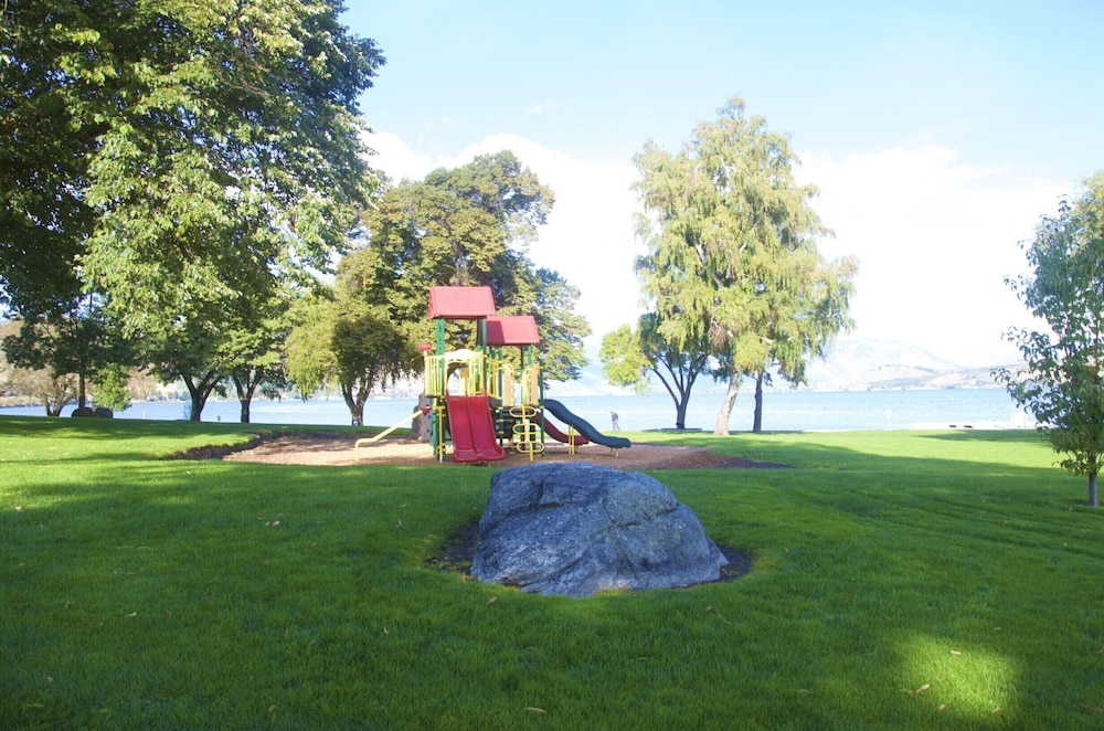 Children's Play Area - Outdoor, Lakeside Lodge And Suites