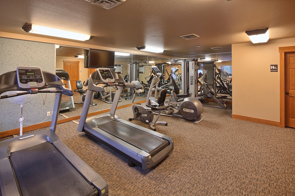 Fitness Facility, Lakeside Lodge And Suites