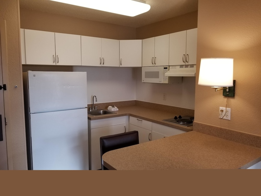 Private Kitchen, Extended Stay America - Milwaukee - Brookfield