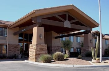 Property Entrance, Comfort Inn Benson near Kartchner Caverns