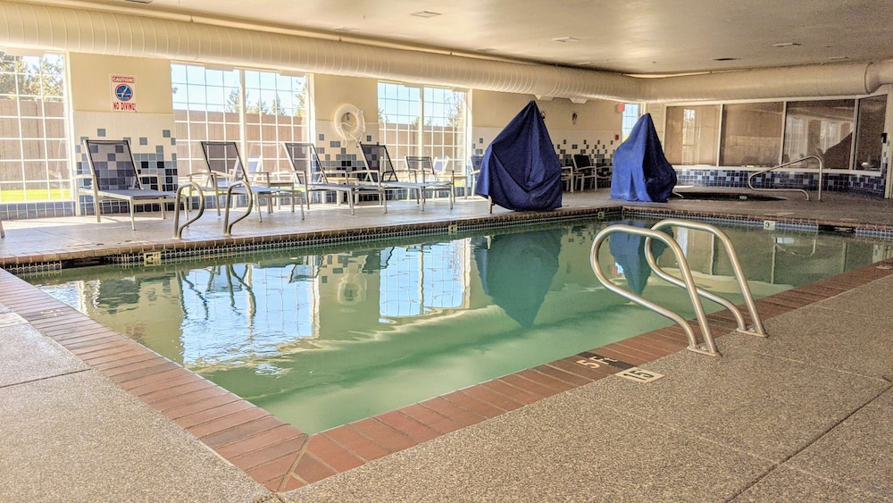 Pool, Best Western Plus Bend North