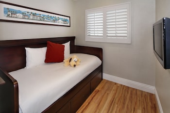Queen Suite - Guestroom
