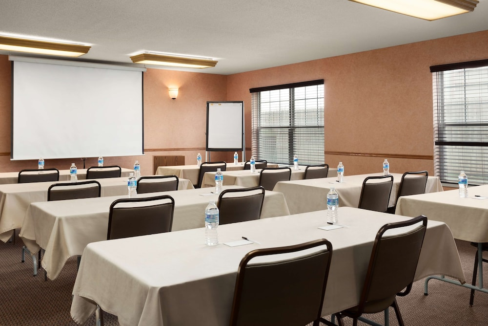 Meeting Facility, Country Inn & Suites by Radisson, Fort Dodge, IA