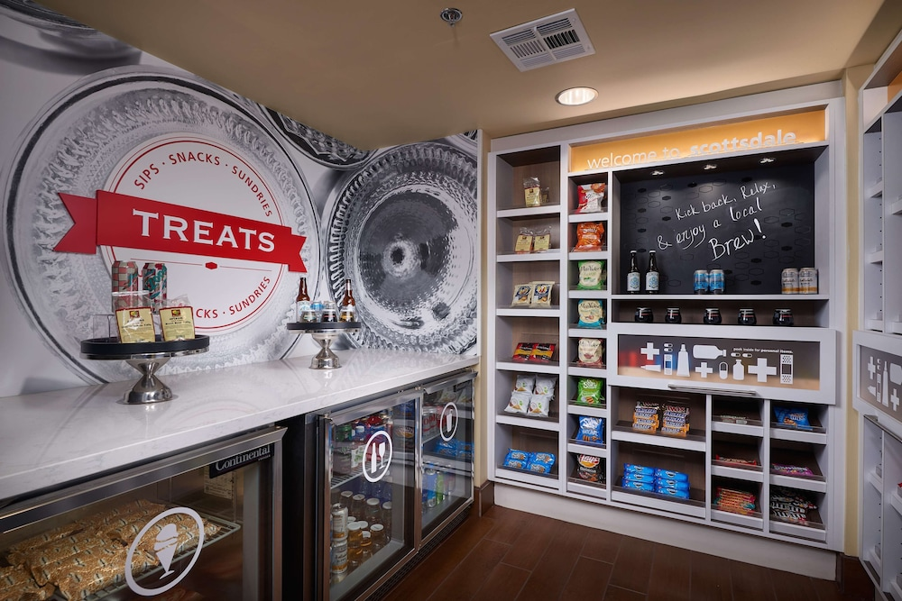 Snack Bar, Hampton Inn & Suites Scottsdale