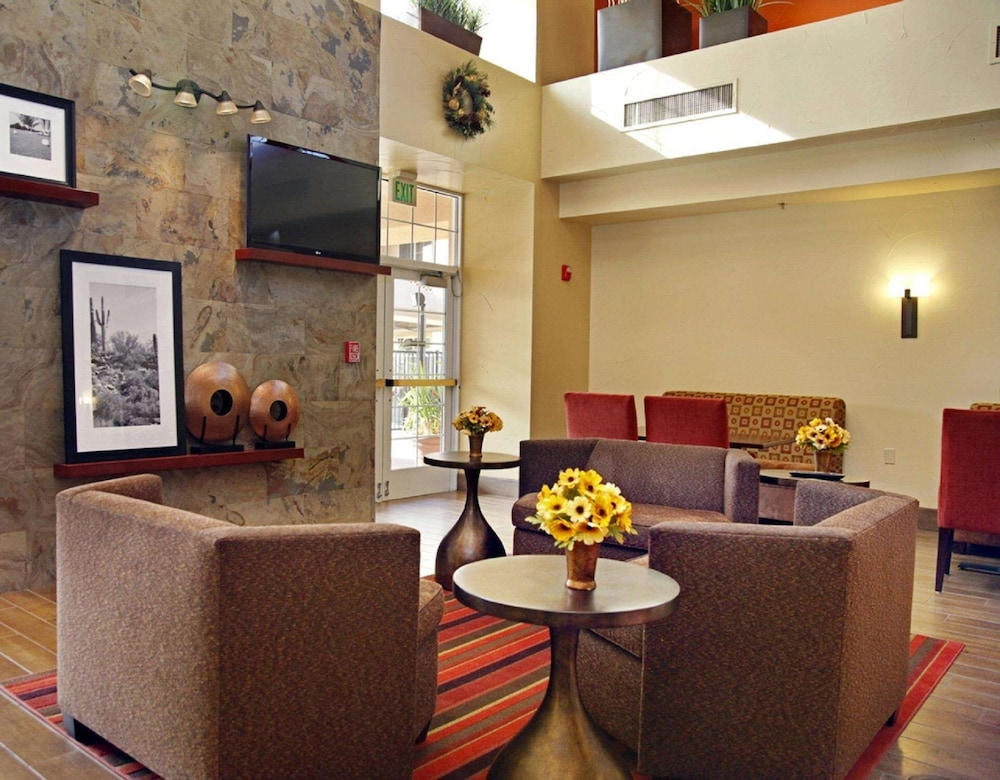 Reception, Hampton Inn & Suites Scottsdale