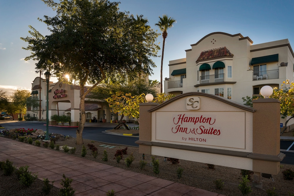 Front of Property, Hampton Inn & Suites Scottsdale