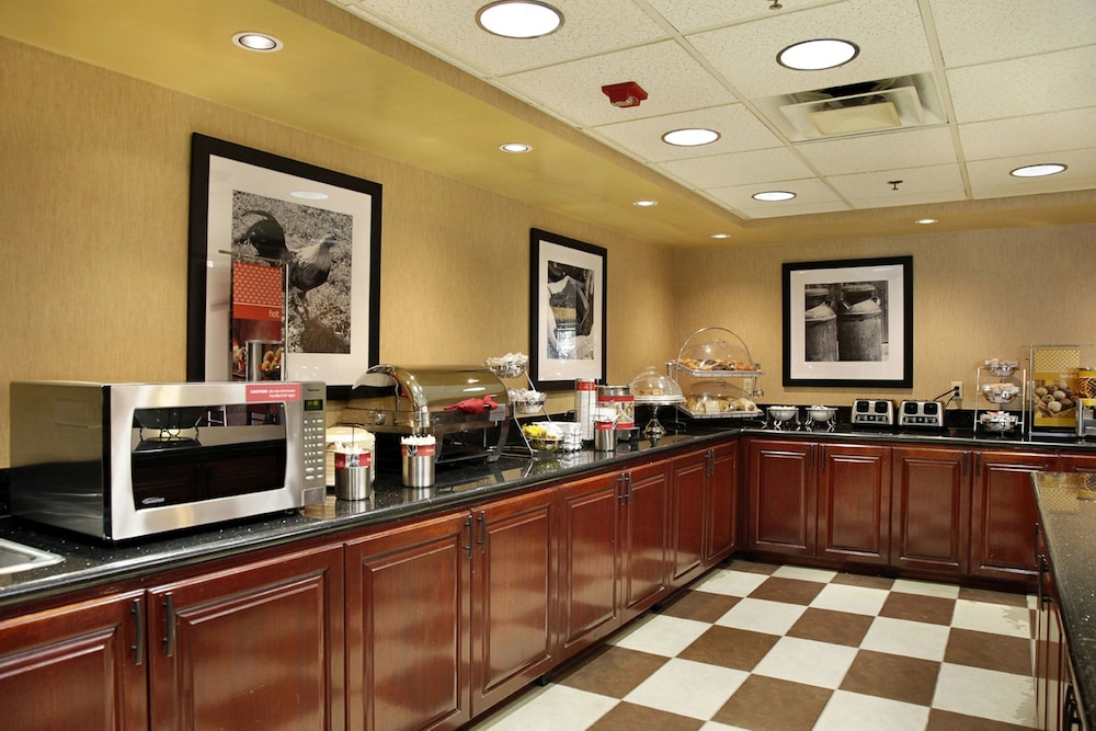 Breakfast Area, Hampton Inn & Suites Scottsdale