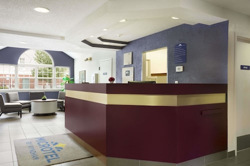 Microtel Inn by Wyndham Louisville East