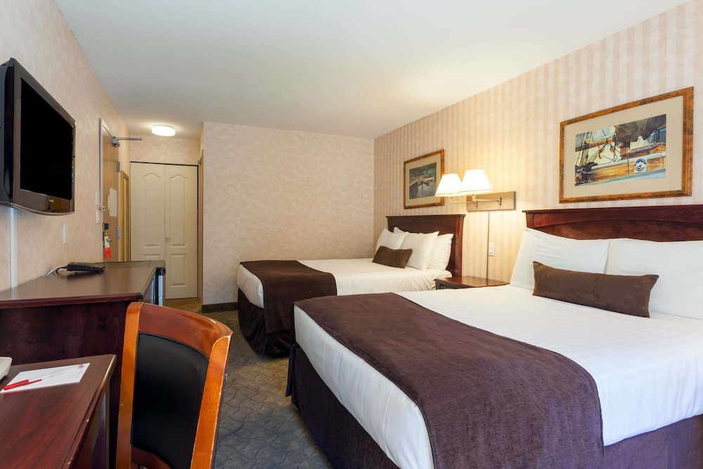 Ramada Hotel Vancouver Airport