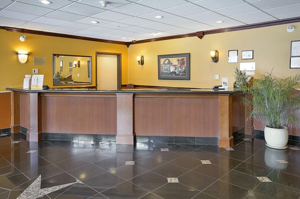 Ramada Hotel Vancouver Airport