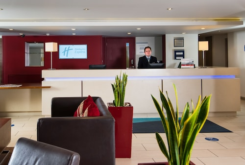 Holiday Inn Express Warwick - Stratford-upon-Avon
