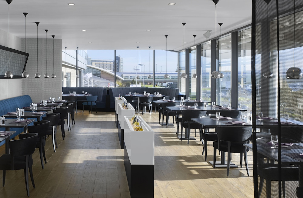 Dining, Radisson Blu Hotel Manchester, Airport