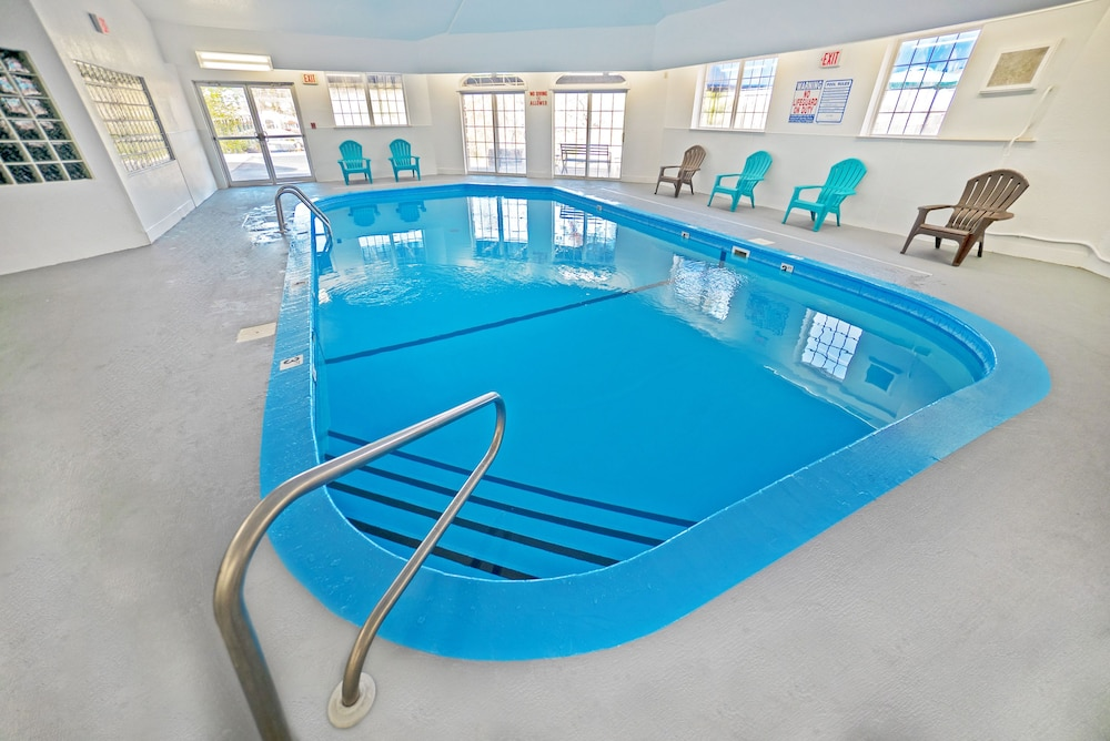 Indoor Pool, The Stone Castle Hotel & Conference Center