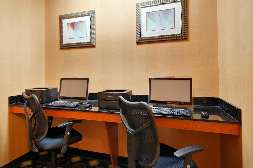 Business Center, Fairfield Inn & Suites by Marriott Tampa North