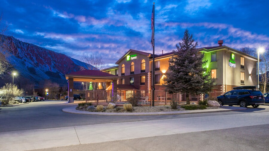 Holiday Inn Express Glenwood Springs, an IHG Hotel