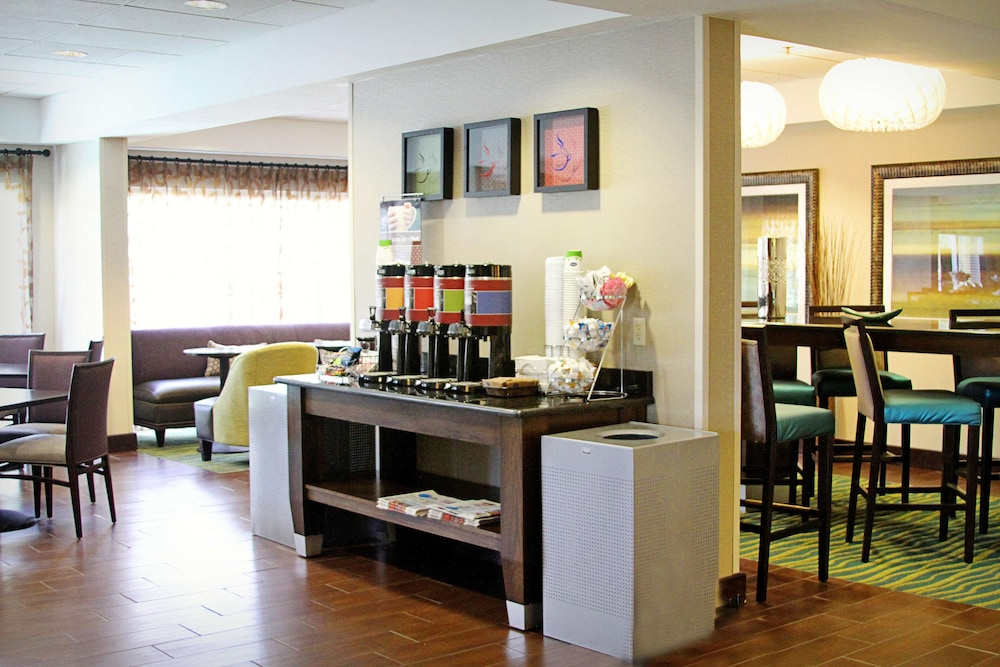 Restaurant, Hampton Inn Tampa-Rocky Point