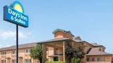 Days Inn & Suites Wichita - Wichita Hotels