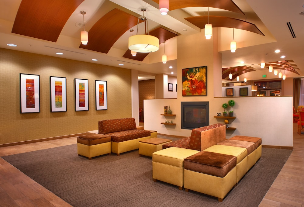 Lobby Sitting Area, Hampton Inn & Suites Orem