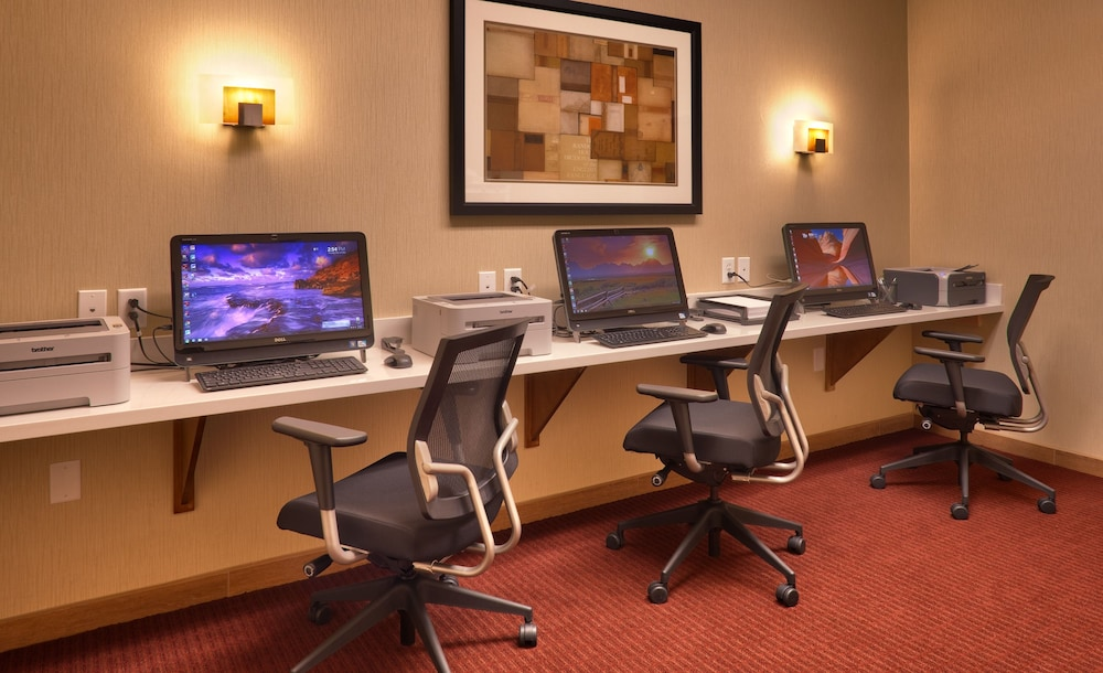 Business Center, Hampton Inn & Suites Orem