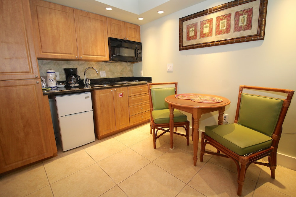 Private Kitchenette, Coconut Mallory Resort And Marina By Kees Vacations