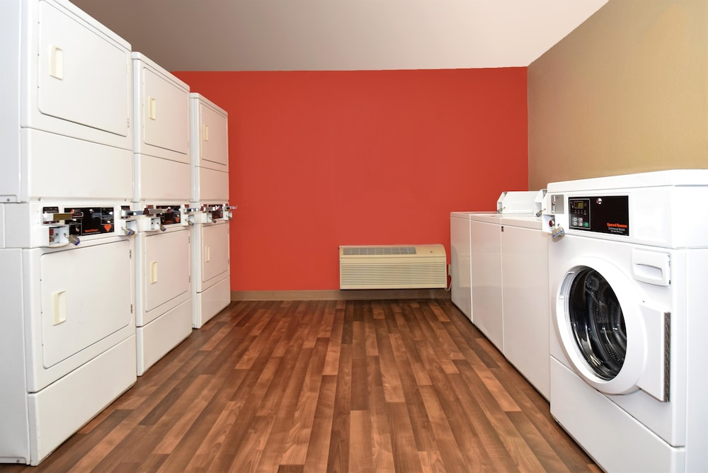 Laundry Room, Extended Stay America- Kansas City - Overland Park - Metcalf