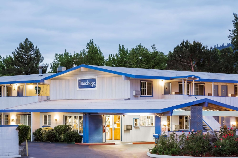 Exterior, Travelodge by Wyndham Grants Pass