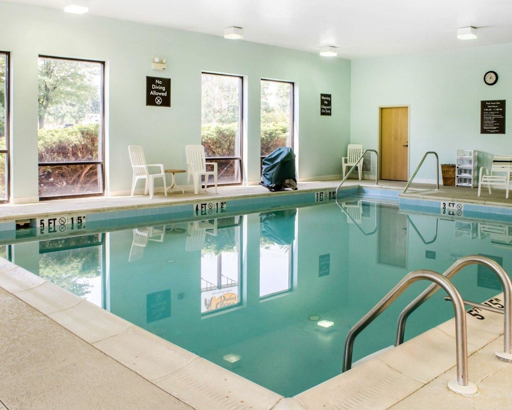 Pool, Sleep Inn Carlisle South