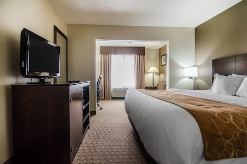 Check Expedia for Availability of Quality Suites St. Joseph