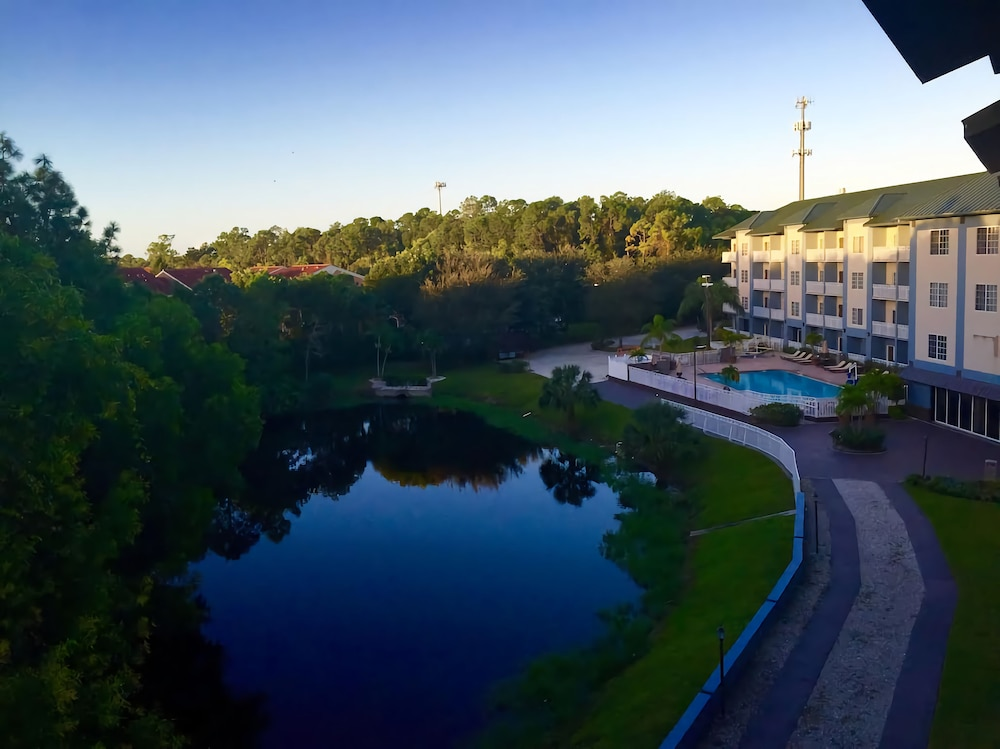 Property Grounds, Best Western Naples Plaza Hotel