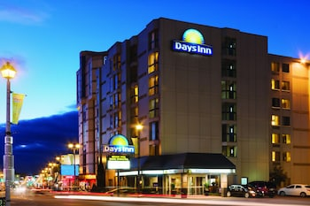 Days Inn by Wyndham Niagara Falls Near The Falls