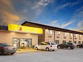 Super 8 by Wyndham Macomb