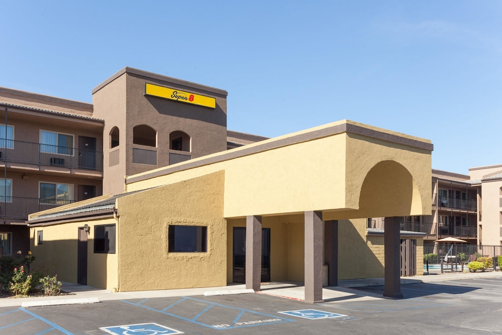 Exterior, Super 8 by Wyndham Escondido