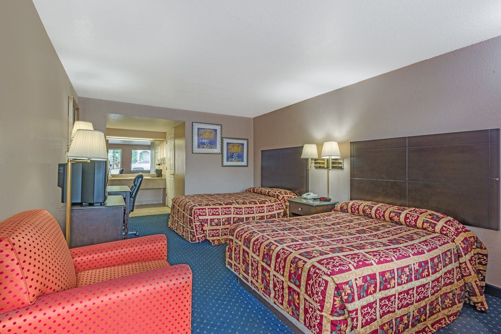 Room, Super 8 by Wyndham San Antonio Downtown/Alamo