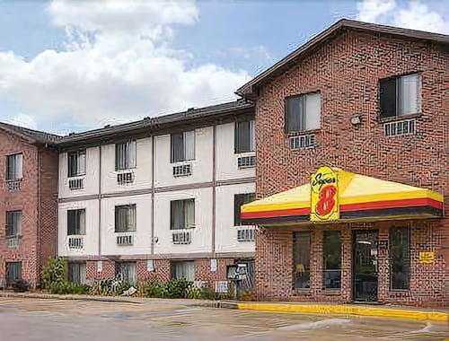 Check Expedia for Availability of Super 8 by Wyndham Omaha/West Dodge