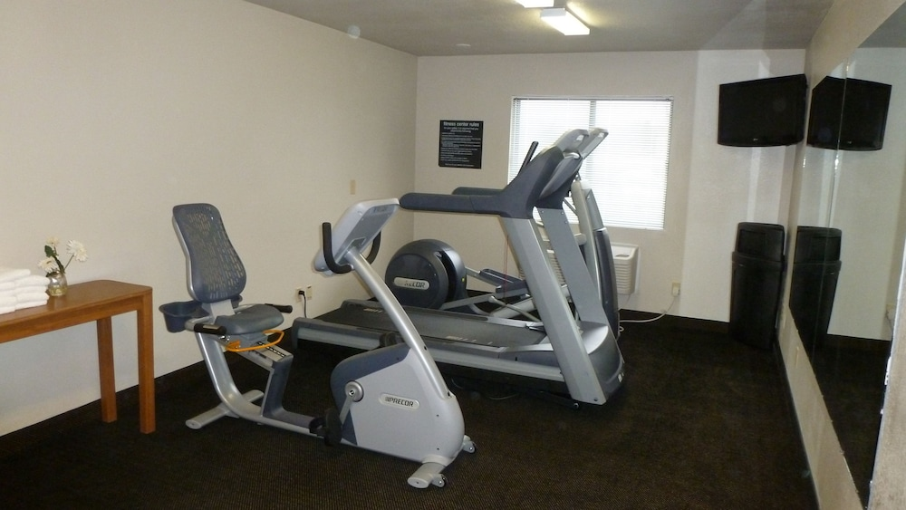Gym, Travelodge by Wyndham Jefferson City