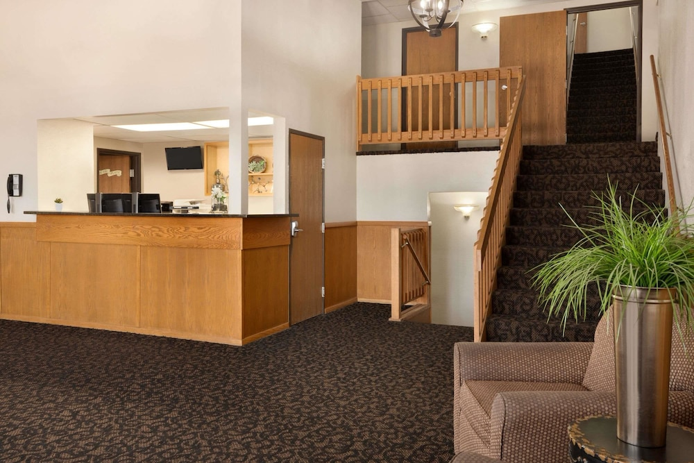Reception, Travelodge by Wyndham Jefferson City