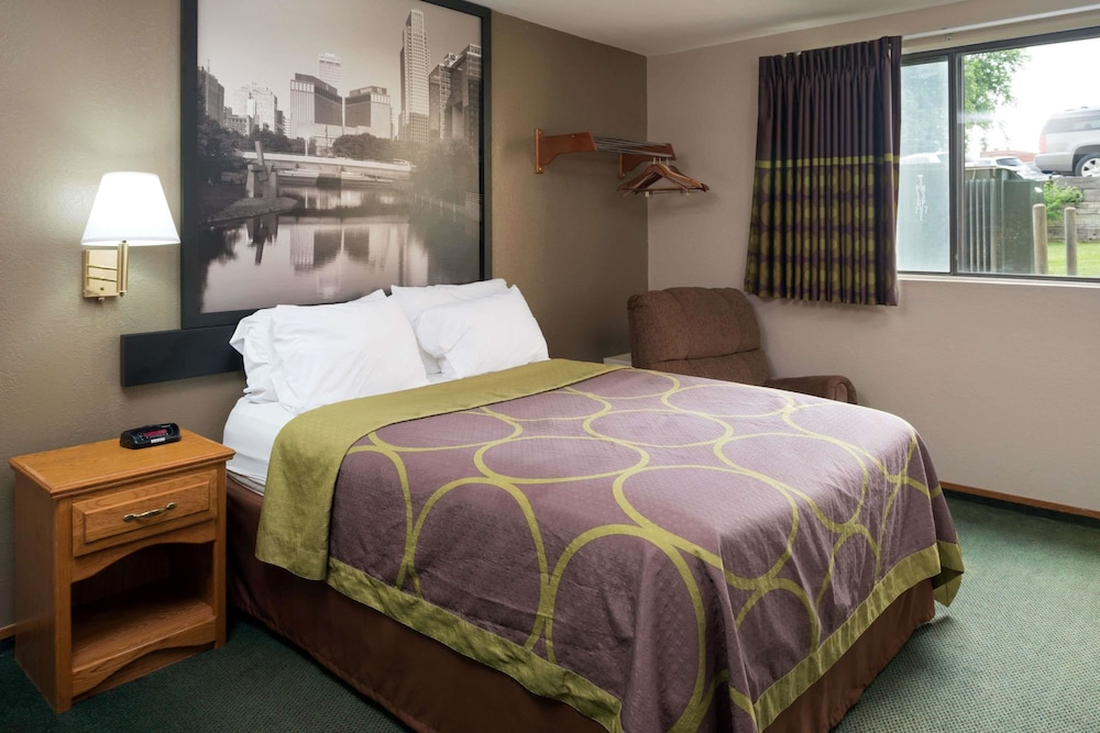 Room, Super 8 by Wyndham Omaha NE