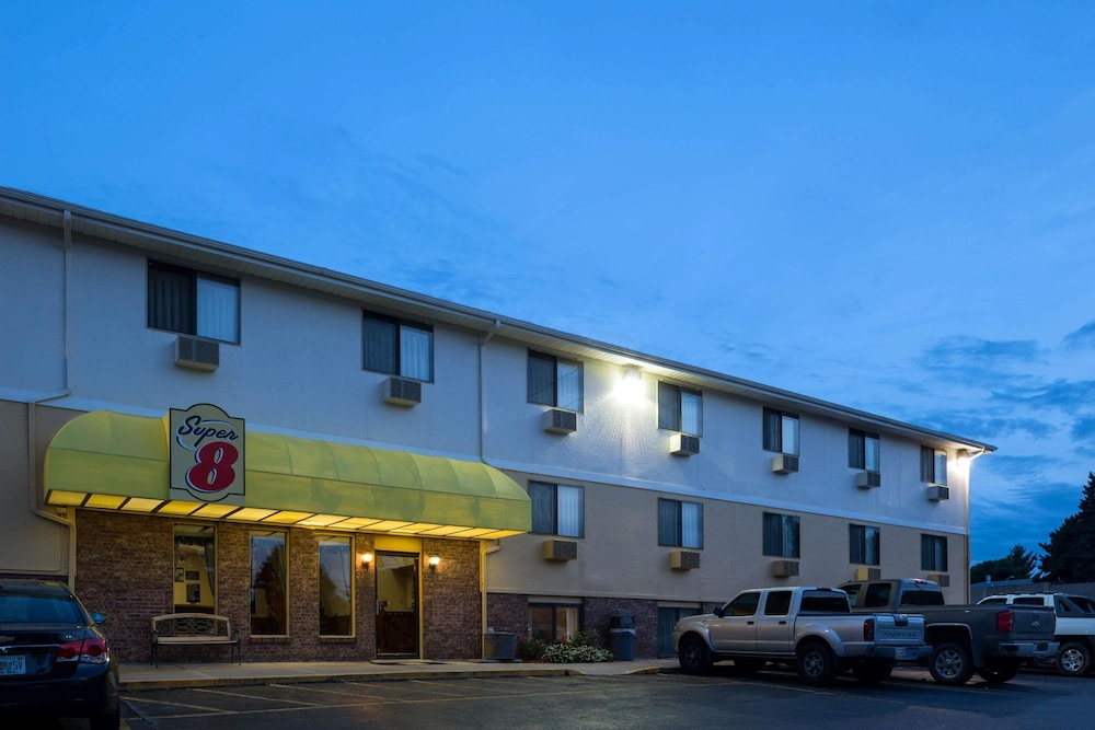 Exterior, Super 8 by Wyndham Omaha NE